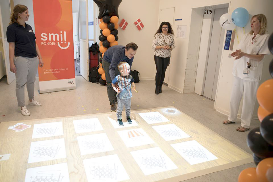 interaktivt-gulv-på-børneafdelingen